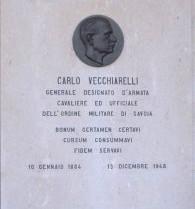 La lapide sulla tomba di Carlo Vecchiarelli a Cingoli
